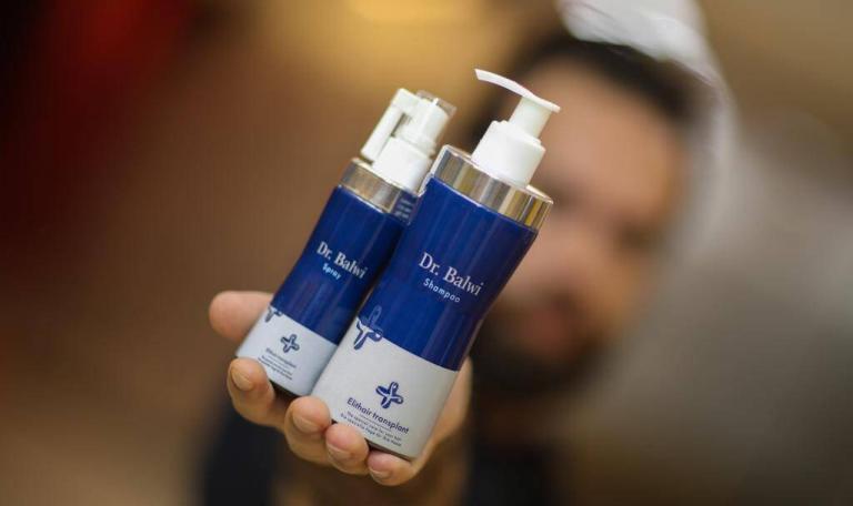 Shampoo und Spray gegen Haarausfall