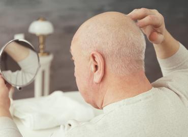 Koffeinshampoo gegen Haarausfall: Die Tipps