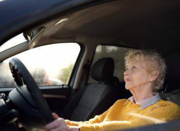 Bin ich im Straßenverkehr noch sicher? Fahrtest für Senioren
