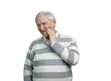 Zahnerkrankungen bei Senioren Zahnschutz durch Vorbeugung