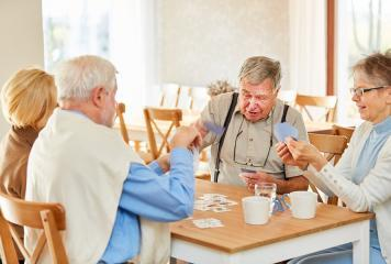 In einer Senioren WG gemeinsam durchs Leben