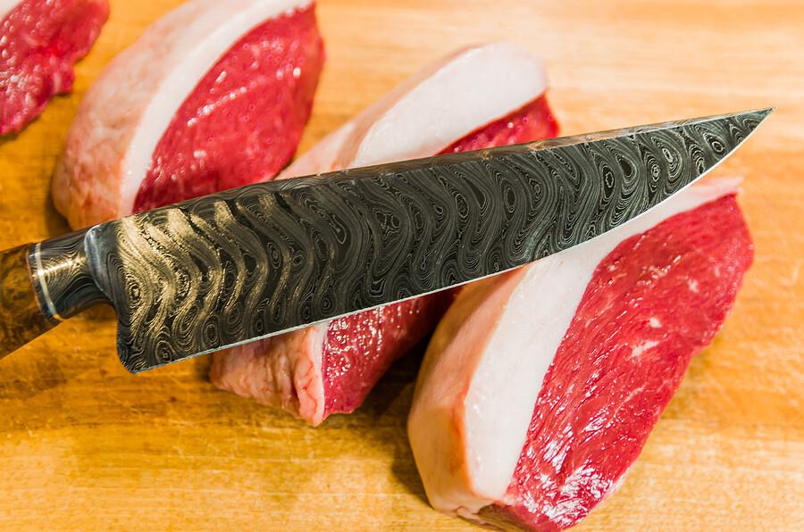Damaszener Stahl Messer für den sauberen Schnitt