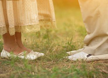 Schuhe für breite Füße: Die besten Tipps