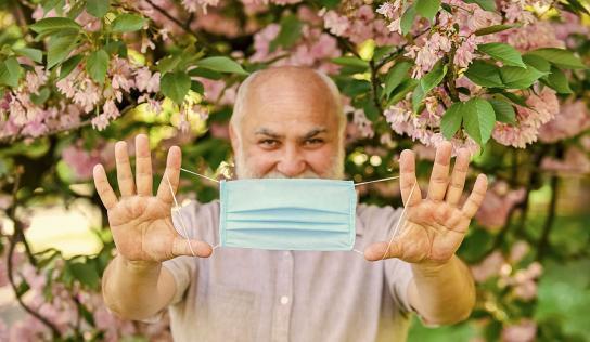 So trägt man seinen Mundschutz richtig
