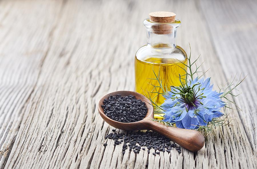 Schwarzkümmelöl – wie gesund ist es wirklich